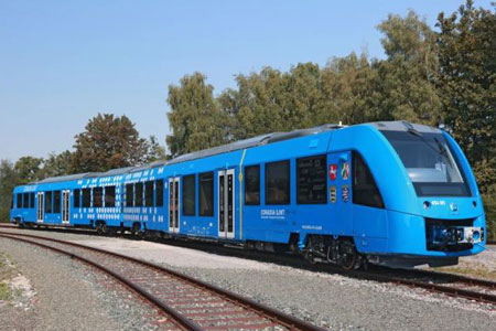 hydrogen-fuel-cells-train-00