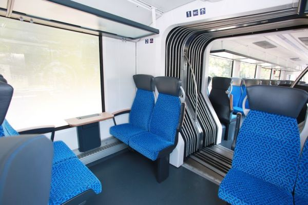 hydrogen-fuel-cells-train-02