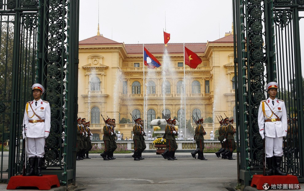 the-worlds-most-beautiful-13-presidential-palace-08