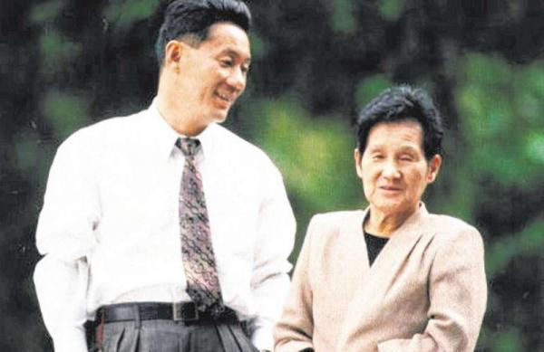 kitano-takeshi-and-his-mother-02